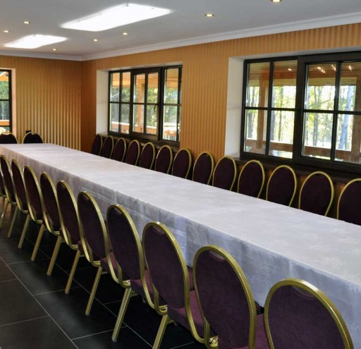 Pokylių salė, 38 sėdimos vietos
